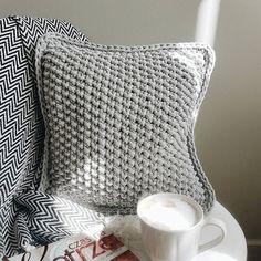 Cushion made of gray Bobbiny cotton cord https://bobbiny.pl/pl/10-bobbiny-sznurki-100m