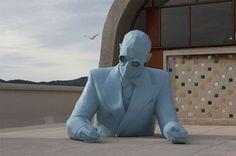 Xavier Veilhan, Le Corbusier Bust, at Cité Radieuse Marseille (France) Le Corbusier Marseille, Xavier Veilhan, Marseille France, Architect Drawing, Land Art, Installation Art, Art Blog, New Art, Contemporary Art