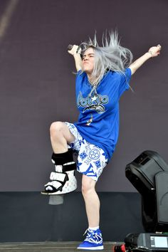 I Just Want To Talk About The Clothes Billie Eilish Wears : She even has a Louis Vuitton orthopedic boot! I Just Want To Talk About The Clothes Billie Eilish Wears My new obsession. Billie Eilish, New York Fashion, Louis Vuitton Boots, Neon Shirts, Bella Hadid, My Girl, Cute Outfits, Videos, How To Wear