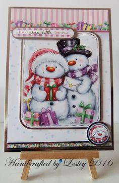 A5 Christmas card made using Hunkydory's Let it snow card kit. More details can be found at http://stampingbubbles.blogspot.co.uk/2016/10/herds-of-snowmen.html