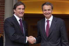 Prime Ministers Pedro Passos Coelho, from Portugal (left) and Rodriguez Zapatero, from Spain (right), in October 2011 - with economic downturn and a rising unemployment rate (over 10% unemployment rate in Portugal and 20% in Spain by 2011), the two countries of the Iberian Peninsula were trapped right in the middle of the European sovereign debt crisis.