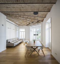 The post What do you think about this ceiling design? Nice or not ? A apartment ren& appeared first on . Plafond Design, Journal Du Design, Valence, Build A Closet, Apartment Renovation, Sliding Glass Door, Ceiling Design, Architecture, Decoration