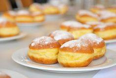 Sütőben sült fánk Vegan Dishes, Donuts, Hamburger, Sweets, Bread, Baking, Food, Frost Donuts, Sweet Pastries