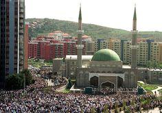 اسلام دنیا میں سب سے تیزی سے پھیلنے والا مزہب ہے : امریکی تحقیق   Islam Islam fastest growing religion Islam in Europe Islam in United States Muslims World