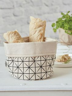 Geometric+Print+Bread+Basket+-+Ivory