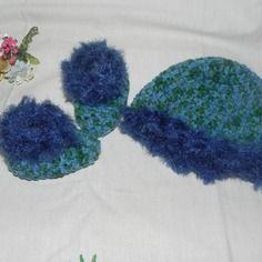 Scarpine e cappellino bebè unisex misto  lana con sfumature particolari e piuma