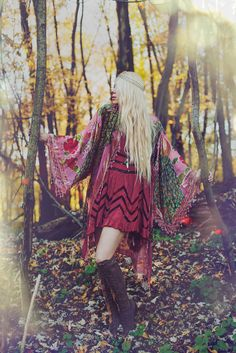 boho chic / fashion editorial / look book / bohemian / forest editorial / the brand gals / free people / vintage dress / embroidered dress