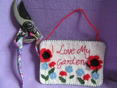 flower picture, poppy picture, wall hanging, wall art, felt picture, gardeners gift, gift for her, garden picture, hanging decoration by TheCraftingGardener on Etsy Felt Pictures, Flower Pictures, Garden Pictures, Garden Gifts, Colorful Decor, Picture Wall, Uk Shop, Poppy, Gifts For Her