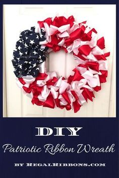 Make a beautiful patriotic ribbon wreath with these step-by-step instructions #DIY #patriotic #ribbon #wreath