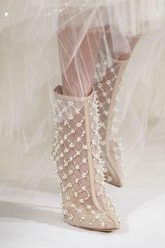33 Gorgeous Spring Wedding Shoes | HappyWedd.com