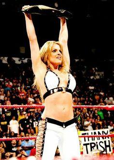 Pin by Rachel on Trish Stratus Wrestling Superstars, Wrestling Divas, Women's Wrestling, Wrestling Outfits, Stratus 2000, Trish Stratus, Wwe Trish, Wwe Female Wrestlers, Wwe Womens