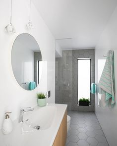 GIA Renovations are one of our favourite customers and it's no wonder - their work speaks for itself! Skinny bathroom spaces can be tricky but the clever shower nook, and use of only grey and white on the walls and floor makes this bathroom feel light, bright and airy. No frames on the shower screen also opens up the space!