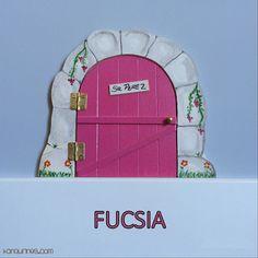 Haz de la caída de los dientes de leche de los niños un momento especial y mágico con esta original puerta del Ratoncito Pérez 100% artesanal. Color fucsia (PVP: 19,95 € + Gastos de envío)