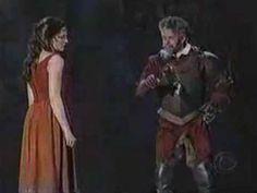 """'The Impossible Dream (The Quest)' es la canción """"bandera"""" de 'The Man of La Mancha', un musical de 1965 con partitura de Mitch Leigh y libreto de Joe Darion. Aquí tenemos a Brian Stokes Mitchell en la 57ª edición de los Tony, haciendo, si cabe, más grande la leyenda."""