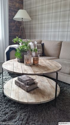 bord,gör det själv,diy,diy bord,do-it-yourself – Diy Furniture Ideas Diy Furniture, Furniture Design, Diy Tisch, Diy Home Decor, Room Decor, Round Coffee Table, Pallet Coffee Tables, Wood Pallets, Pallet Wood