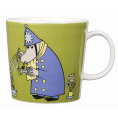 This green Moomin mug featuring the Inspector was released in 2009 and was elegantly illustrated by Tove Slotte-Elevant. Complete your collection of Moomin mugs with this lovely piece. Also see the other parts of the Moomin Inspector series. Moomin Shop, Moomin Mugs, Moomin Valley, Tove Jansson, Nordic Design, Ceramic Cups, Ceramic Art, Issey Miyake, Mug Designs