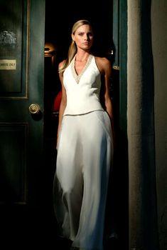 029a6b70a5c5 Completi pantalone sposa - Abito da sposa con pantaloni e dettagli luminosi
