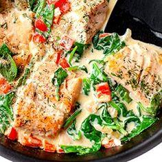 Łosoś w kremowym sosie z papryką i szpinakiem Healthy Diet Recipes, Healthy Eating Tips, Cooking Recipes, Fish Dishes, Tasty Dishes, Big Meals, Food Hacks, Food Porn, Dinner Recipes