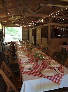 barn party decorations | Italian Barn Party ideas | Italian Dinner - pizza wagon