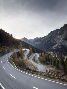 Bergell: Wenn es im magischen Tal allzu still wird - Schweiz: Standard - bernerzeitung.ch Switzerland, Country Roads, Italy