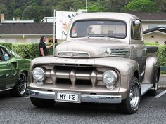 1952 Ford F-2 Truck