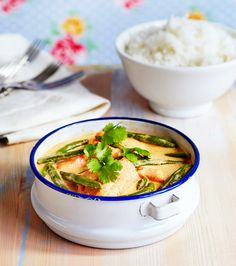 Thaimaalainen korianteri-kookoskala on ihanan helppo tehdä. Tarjoa basmati- tai jasmiiniriisin kanssa.