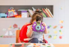 Who said parents can't have fun playing with baby toys? Check out these 21 Baby Toys That Parents Will Want To Play With Too! Quiet Time Activities, Preschool Activities, Montessori Preschool, Preschool Education, Preschool Classroom, Good Parenting, Parenting Hacks, Chers Parents, Blog Bebe