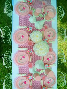 Kids party supplies: table decoration for princess themed birthday party.