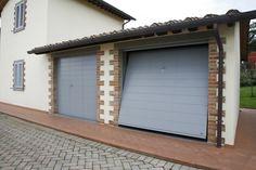 Porta basculante linea legno LINES. Porta ideale per chiusure di case di campagna e abitazioni rustiche.   #casa #abitazione #garage