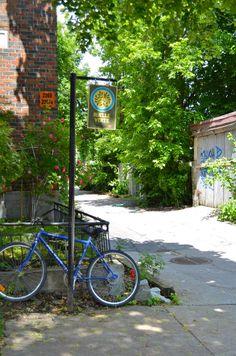 Depuis leur création officielle en 1997, les ruelles vertes n'ont cessé de pousser à Montréal. Aujourd'hui, on compte une centaine de tronçons verdis. Le