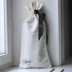 What do you think of our new dust bag? #offwhite #dustbag #flatteredmoments