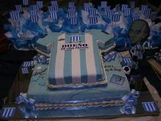 Communion, Racing, Club, Iris, Deserts, Sweets, Pretty Cakes, Creative Decor, Creativity