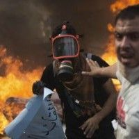 """Egitto, governo: """"464 morti in scontri"""". Fratelli musulmani: """"Nuove marce"""" via http://www.ilfattoquotidiano.it/2013/08/15/egitto-fratelli-musulmani-oltre-4500-morti-ma-per-governo-sono-327/685034/"""