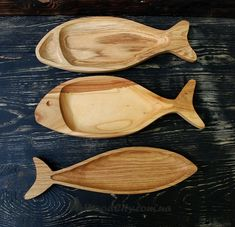de pescado de madera ⋆ WoodCity Placa de pescado de madera ⋆ WoodCity, Placa de pescado de madera ⋆ WoodCity, Hand carved fish snack plate Antique wooden tray Gift for Small Wood Projects, Cnc Projects, Woodworking Projects, Wood Tray, Wood Bowls, Vintage Egg Cups, Bois Diy, Wooden Fish, Small Space Interior Design