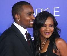 Namorado pede para família tocar música dele para filha de Whitney Houston acordar do coma >> http://glo.bo/1aoUuQV