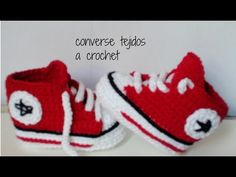 converse tejidos a crochet - bebe - ALL STAR Baby Booties Knitting Pattern, Crochet Baby Boots, Crochet Bebe, Diy Crochet, Baby Knitting, Converse Rouge, Baby Converse Shoes, Baby Sneakers, Baby Shoes