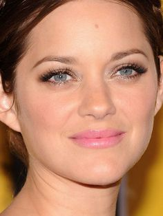 Marion Cotillard smoky eyes http://beautyeditor.ca/2013/07/09/whats-the-easiest-way-to-create-smoky-eyes/