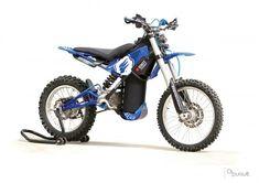 Una moto a aire con motor rotativo