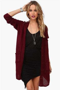 Love the oversized cardigan... And in a hot fall color!!