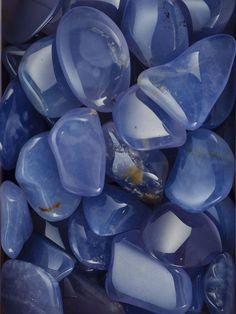 Calcedoine bleu mineral mineraux tumbled stone pierre roulé lithotherapie