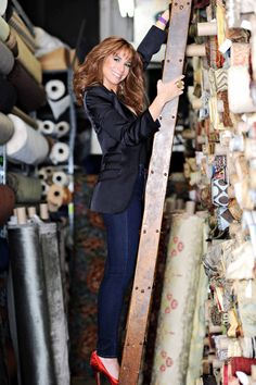 Here is another picture from my photo shoot with @S0photography taken at Zarin Fabrics.