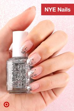 a festive silver glitter mani for the holidays or new year's eve: essie 'set in stones' over 'skinny dip' Metallic Nails, Cute Acrylic Nails, Glitter Nails, Gel Nails, Nail Polish, Silver Glitter, Shellac, Coffin Nails, Stylish Nails