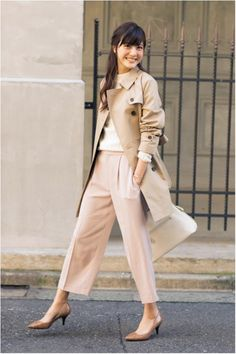 How to rock the casual chic look Office Fashion, Work Fashion, Curvy Fashion, Fashion Outfits, Japan Fashion Casual, Casual Chic Style, Look Chic, Estilo Gamine, Business Casual Dress Code