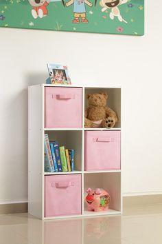 El Organizador de Melamina de 6 cubos crea el espacio perfectos para guardar los juguetes de los niños.