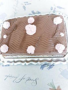 Házi csokitorta, igazi főzött csokikrémmel, megédesíti a hétköznapokat - Bidista.com - A TippLista! Cake, Food, Kuchen, Essen, Meals, Torte, Cookies, Yemek, Cheeseburger Paradise Pie