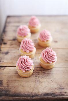 Pretty Raspberry Buttercream Swirl on Blondie Cupcakes