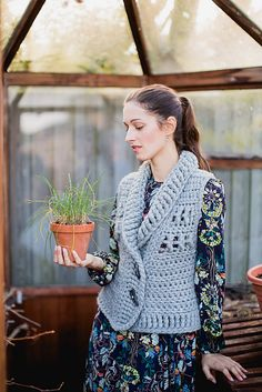 Ravelry: Tjockt Waistcoat pattern by Annelies Baes (Vicarno) https://www.facebook.com/Vicarno-Crochet-Designs-Annelies-Baes-189840241043637/