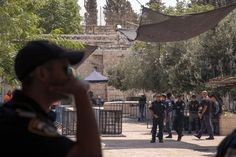 Israel May Change Mosque Security Amid Palestinian Outrage