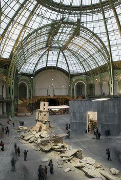 Monumenta 2007, Anselm Kiefer. Verenglückle Hoffnung.  http://www.grandpalais.fr/en/Footer-general/Media-library/m-619-132-GALERIE-Monumenta-2007.htm?item_id=127
