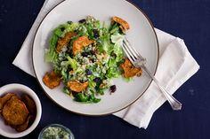 Apple Vinaigrette & Blue Cheese Salad #raw #vegan  http://www.immerwachsen.com/2011/11/07/apple-vinaigrette-blue-cheese-salad/